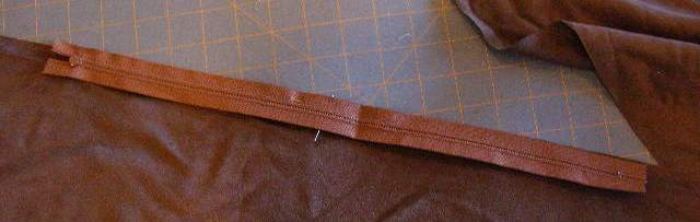 "Align mid-point of zipper to mid-point of 24"" side of smaller rectangle."