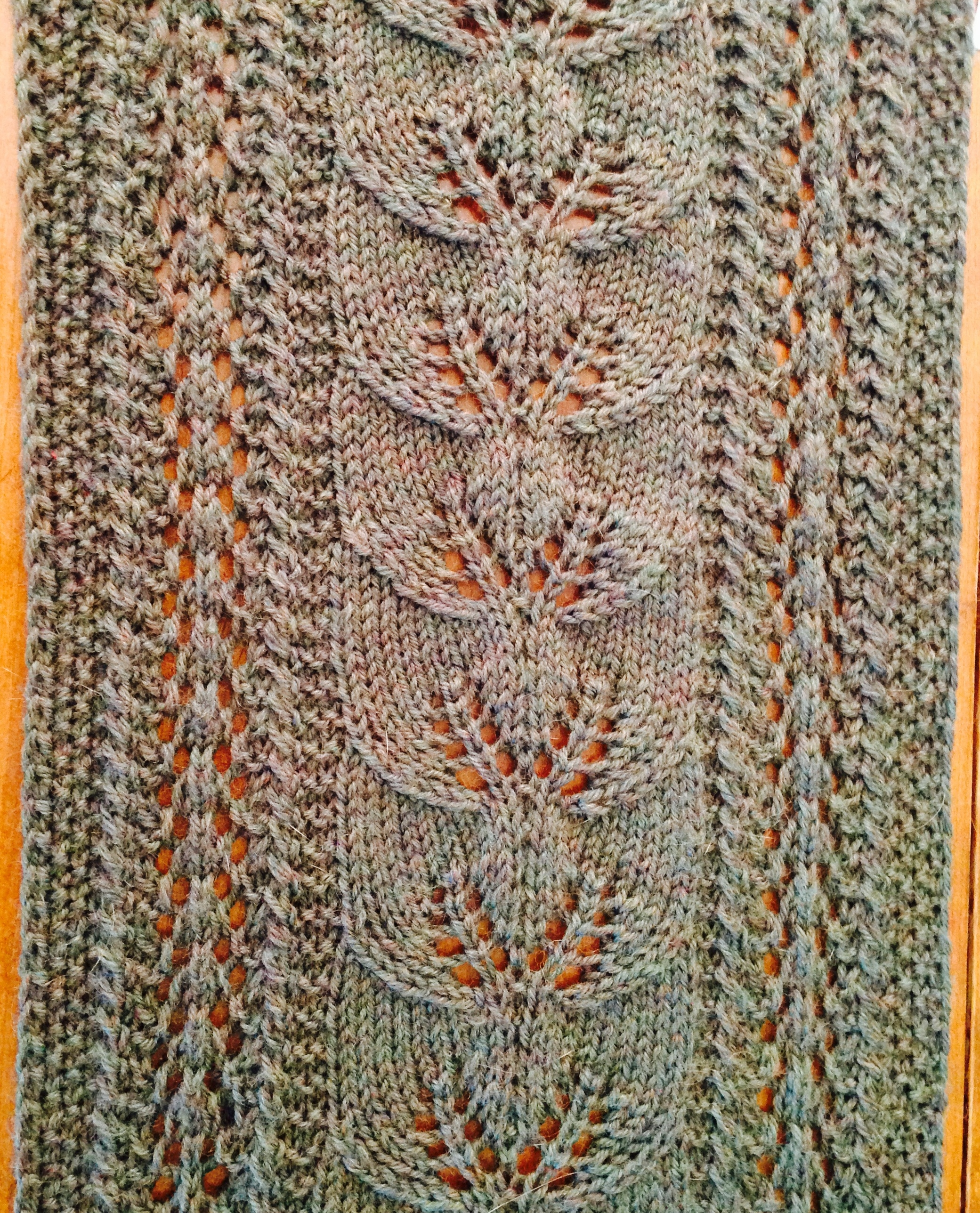 Destashification climbing leaves scarf free pattern the leaves afalling scarf bankloansurffo Choice Image